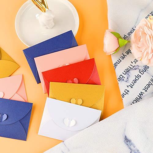 SallyFashion Mini Briefumschläge, 100 Stück Herz Briefumschläge Kraftpapier Umschläge mit Herz Verschluss für Weihnachten Valentinstag Geschenkkarten