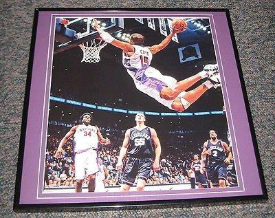 Vince Carter DUNK Raptors vs Cavs Framed 12X12 Poster Photo