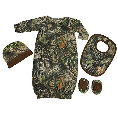 Mossy Oak Camo Baby Clothing Set in Break-Up Country]()