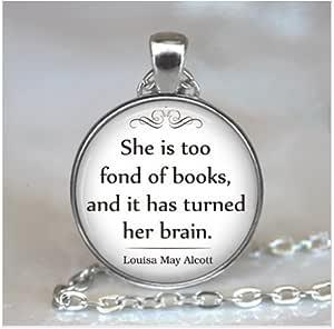 Ella Es Demasiado Fond de libros cita colgante collar, libro amante de la joyería de regalo