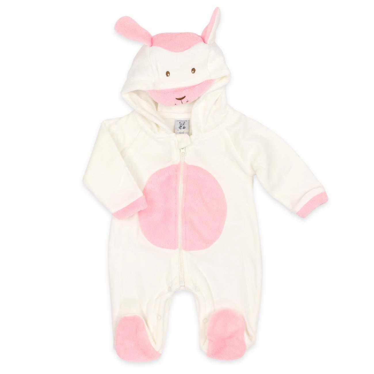 Baby Overall weiß-rosa   Motiv: Lamm   Marke: Just Too Cute   Baby Strampler mit Kapuze für Neugeborene & Kleinkinder   Größe: 0-3 Monate (56/62) Just Too Cuddly
