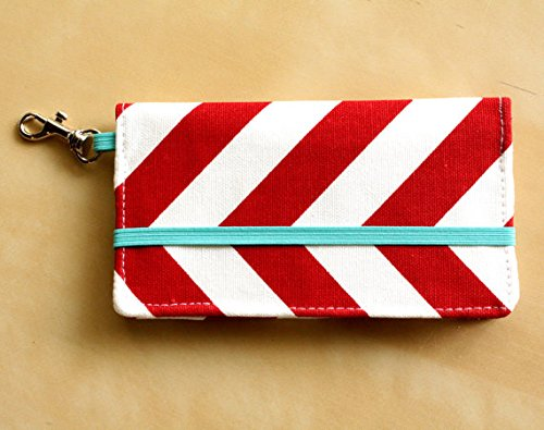 kailo-chic-small-cell-phone-wallet-red-chevron-with-key-clasp