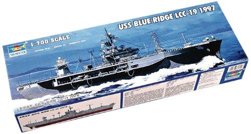 (Trumpeter TRP05715 1:700 Scale USS Blue Ridge LCC-19 Command Ship 1997 ( Model Building Kit ))