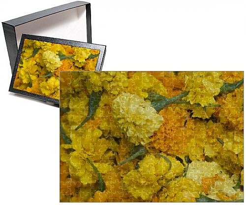 Photo Jigsaw Puzzle of Yellow carnations for sale for temple offerings in Little India (India Carnation)