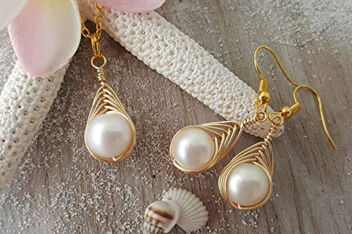 - Handmade in Hawaii, Gold Wire Braided Sized Round Natural Pearl necklace + Earrings Set,