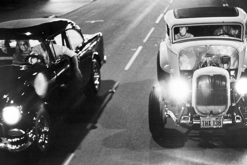 (Lweike American Graffiti Milner's '32 Ford races Falfa's '55 Chevy down street 24x36 Poster )