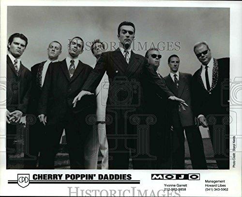 Vintage Photos Press Photo Cherry Poppin Daddies - orc06154