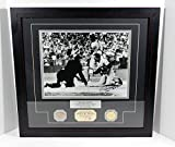 Willie Mays Signed Photo with Game Used Bat and Coin Highland Mint Auto DA025275 - Autographed MLB Photos