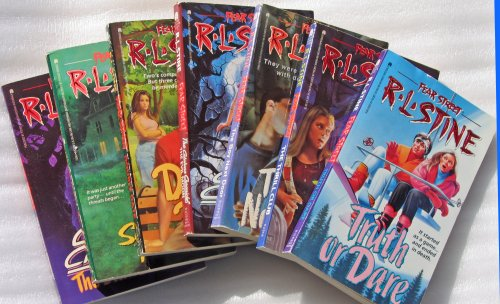 (Fear Street Assortment (Truth or Dare, The Thrill Club, The Boy Next Door, Double Date, The Surprise Party, The Catalina Chronicles - The Evil Moon, The Catalina Chronicles - The Dark Secret) (Fear Street))