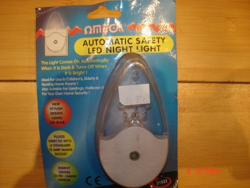 - Omega- 21922 Automatic Sensor Safety Led Plug In Mains Powered Childs Night Light