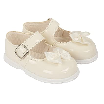 ef34244898b0f Baypods first walking shoe. Hardsole Patent baby girl shoe in Ivory, White,  Red or Pink in Sizes 2-6 (UK 2, (EU 18), Ivory): Amazon.co.uk: Baby