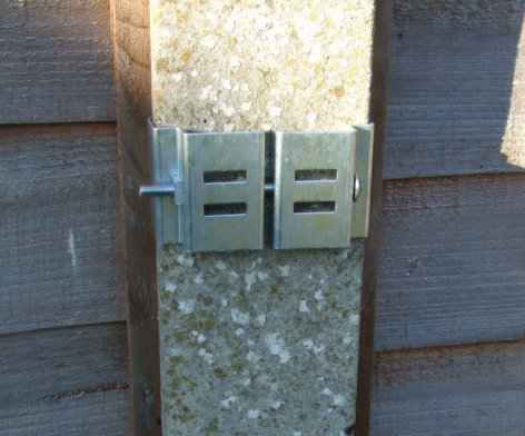 "Postfix Slotted Concrete Fence Post Brackets to Fit 4"" x 4"