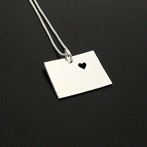 Colorado necklace Personalized sterling silver Colorado state necklace with heart Hometown Jewelry best friend Gift - family gift long distance relationship gifts Colorado pendant