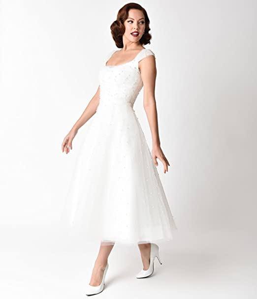 38bf97481163 Unique Vintage Voodoo Vixen 1950s White Pearl Beaded Cap Sleeve Betsy Bridal  Dress: Amazon.ca: Clothing & Accessories