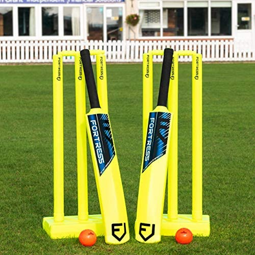 A Sports Powerplay Plastic Garden Cricket Set Bat Stumps Ball Bag size 3 and 5