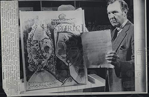Vintage Photos Press Photo Perry Rathbone Director of Boston Museum of Fine Arts Displays Piece (Rathbone Boston)