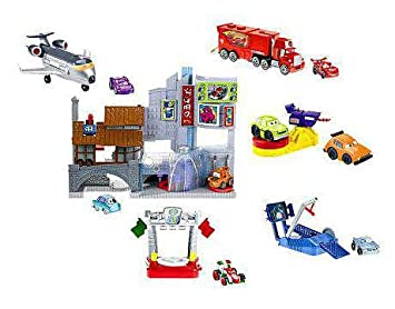 disney pixar cars 2 movie imaginext exclusive race around the world character playset - Cars The Movie 2 Characters