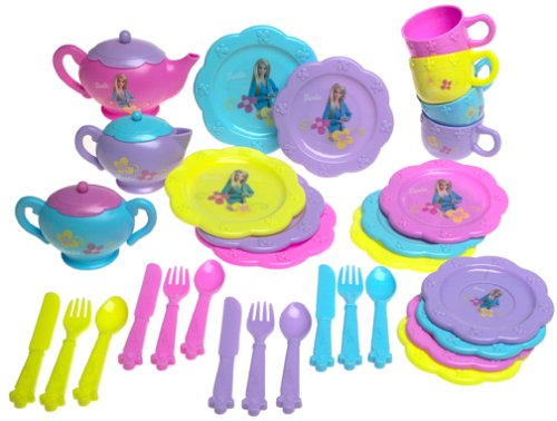 Barbie Dinnerware Set ()
