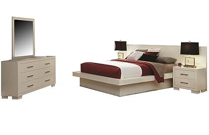Superieur Coaster Jessica Bedroom Set With Queen Bed, Nightstand, Dresser And Mirror
