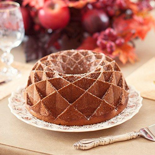 New Diamond Pattern Cast Aluminum Cake Bundt Bake Pan with Kitchen Tools Combo