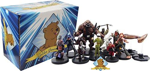 Star Wars Miniatures! 100 Random Star Wars Figures - Includes Big Golden Groundhog Deckbox!