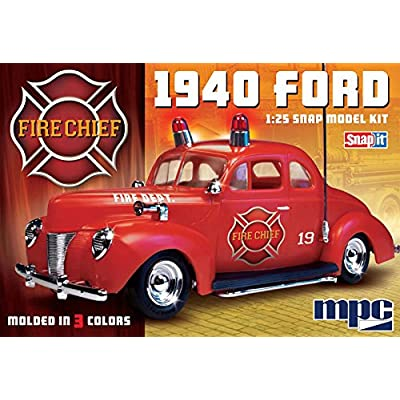 C.P.M. MPC 1:25 Scale 1940 Ford Fire Chief Snap Kit: Toys & Games