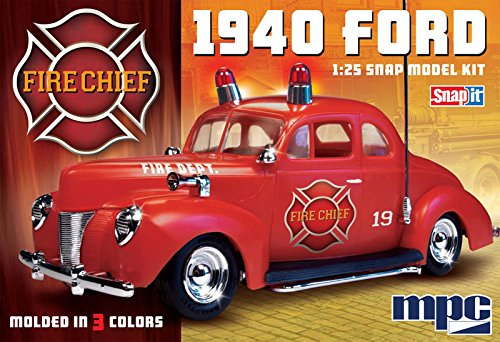 Model Ford Fire Chief - MPC MPC815/12 1/25 1940 Ford Fire Chief Super SNAP