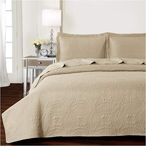 Mellanni Bedspread Coverlet Set Beige - Comforter Bedding Cover - Oversized 3-Piece Quilt Set (King/Cal King, Beige)