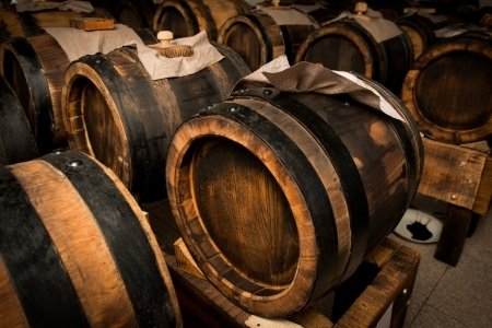 18 YEAR AGED Traditional Balsamic - ITALY 3 Our finest grade of aged balsamic vinegar from Modena, Italy is produced in the Traditional Style. It is aged for up to 18 years in chestnut, oak, mulberry and ash barrels Our naturally infused balsamic vinegar is caramel color-free, free of added sugar or thickeners and aged in wood barrels of the traditional style in Modena, Italy. All natural, gluten-free, no msg, no alcohol, and free of any peanut products.