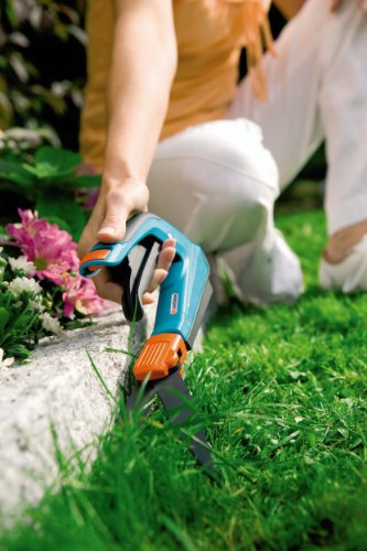 Gardena 8735 Comfort 27-Inch Swiveling Grass Shears With Ergonomic Handle by Gardena (Image #3)