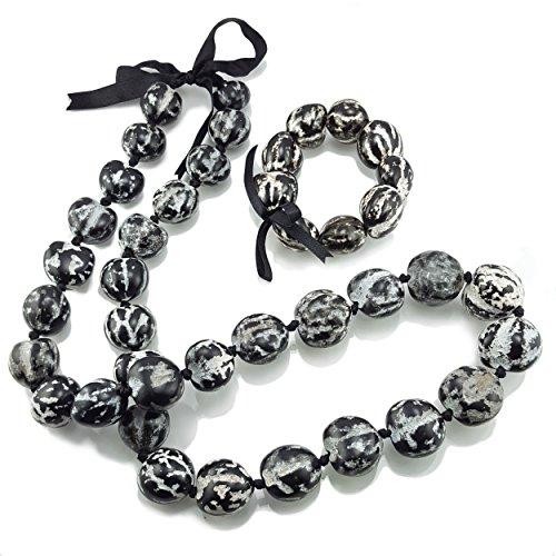 Kukui Nut Lei Necklace / Bracelet Set (Black and White)]()