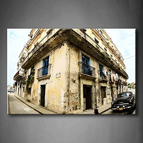 First Wall Art - Brown Classic Car In Center Of Havana A Big Old House Wall Art Painting The Picture Print On Canvas Architecture Pictures For Home Decor Decoration Gift - Pictures Brown Havana