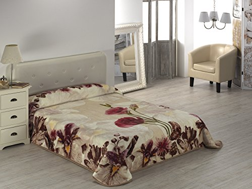 European - Made in Spain warm blanket 4 PC Mora Gold Digital Beige Color by MORA Blankets