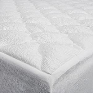 eLuxurySupply Cooling Top Mattress Pad with Fitted Skirt - Extra Plush Cooling Topper - Made in the USA (Queen)