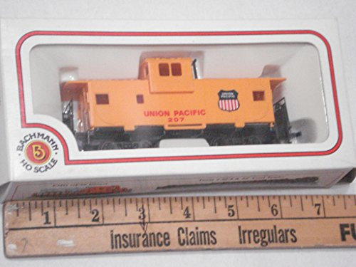 (HO Scale Union Pacific Yellow Top Caboose 207 RTR Rolling Stock)