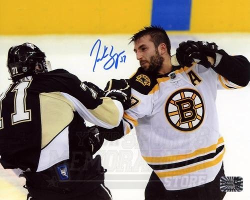 - Patrice Bergeron Boston Bruins Signed Autographed Fight vs Penguins Malkin 8x10
