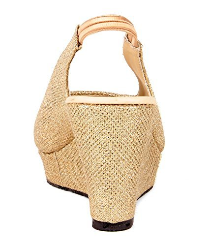 49805b81018 Feel it Rakhi Return Gift for Sister - Best Wedge Heels Golden Sandals  Buy  Online at Low Prices in India - Amazon.in
