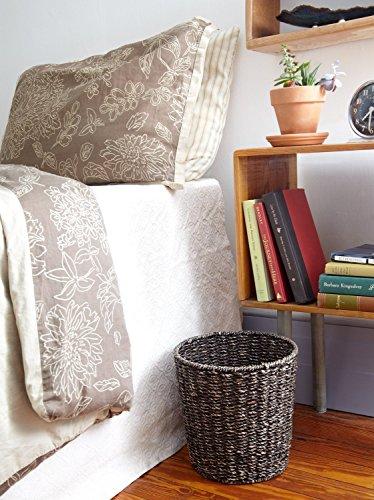 waste bin woven waste paper basket for bedroom kitchen import it all. Black Bedroom Furniture Sets. Home Design Ideas