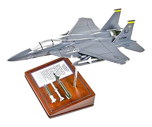 F-15e Eagle (Mastercraft Collection Planes and Weapons Series Boeing F-15E STRIKE EAGLE Model Scale:1/64)