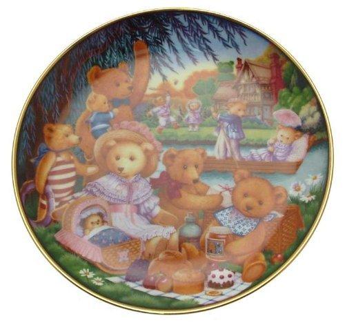 Franklin Mint Teddy bear plate A Teddy Bear Picnic Carol Lawson - CP1784 ()
