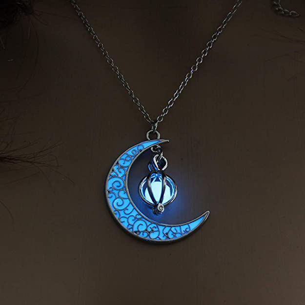 Unisex Glowing Crystal Hollow Heart Necklaces Fashion Jewelry Halloween Gifts