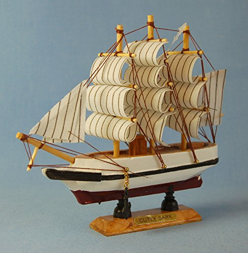 Model of Cutty Sark Clipper Sailing -