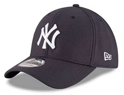 c9f7a7a5f6836 New Era New York Yankees MLB 39THIRTY Diamond Era Classic Performance Hat  (S M
