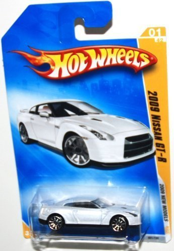 Hot Wheels 2009-001 New Models 1 of 42 Nissan GT-R White 1:64 Scale