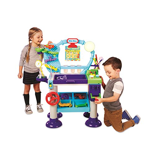 Little Tikes Jr. Wonder Lab is a cool gift for preschool aged girls and boys