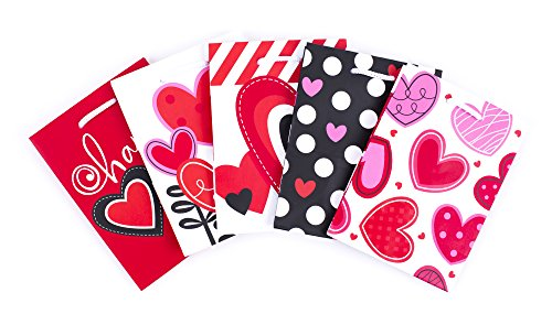 Hallmark Small Valentine's Day Gift Bags Assortment (Hearts, Pack of 5)]()