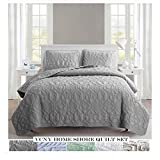 VCNY Home Shore Polyester 3 Piece Quilt Set, SUPER SOFT Quilt Set, Wrinkle Resistant, Hypoallergenic Bed Set, Queen, Grey.