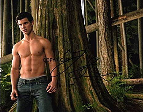 FREE DELIVERY TAYLOR LAUTNER Signed Photo Print 10x8 Mounted Photo Print