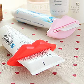 Amazon.com : 2Pcs Lip Kiss Bathroom Toothpaste Dispenser Facial Cleanser Tube Cream Squeezer BML Brand // 2pcs exprimidor de crema del tubo del producto de ...