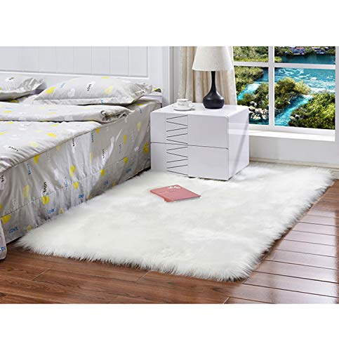 Faux Fur Sheepskin Area Rug/Fur Area Rugs for Bedside Floor Mat Plush Sofa Cover Seat Pad for Bedroom